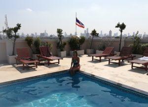 blog-voyage-couple-parfums-de-liberte-leo-et-julie-petit-budget-bangkok-rooftop