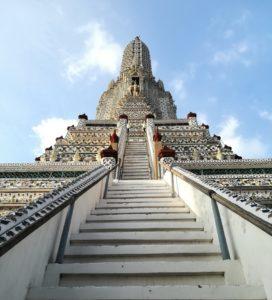 blog-voyage-couple-parfums-de-liberte-leo-et-julie-petit-budget-bangkok-wat-arun